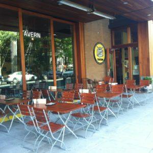 Beer-Garden-Bisto-Set-Lompoc